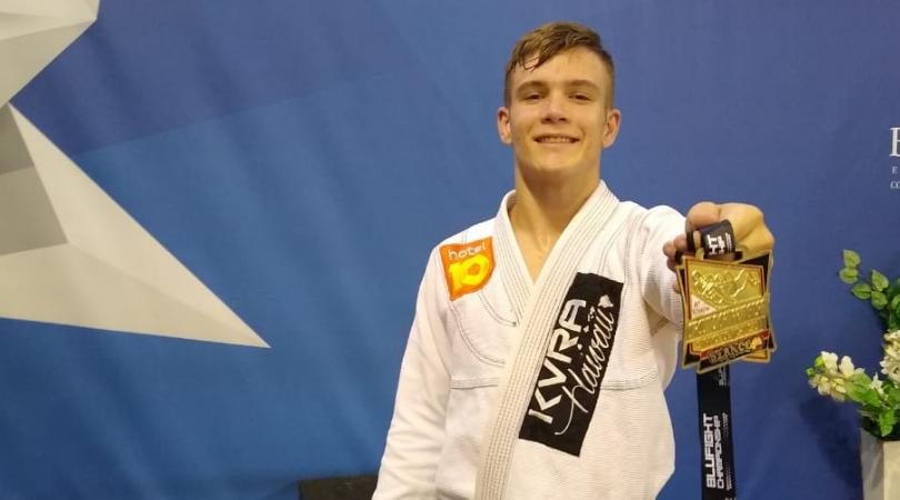Caio Ramos conquista título de jiu-jitsu em Balneário Camboriú
