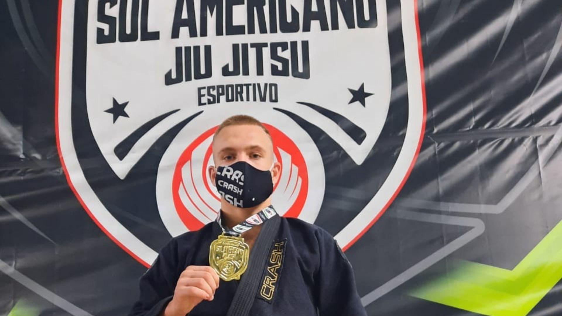 Lutador joinvilense vence competição e se torna Campeão Sul-Americano de Jiu-Jitsu